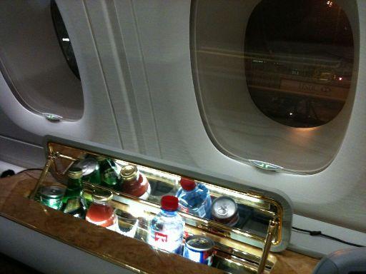 Minibar im A380 Emirates