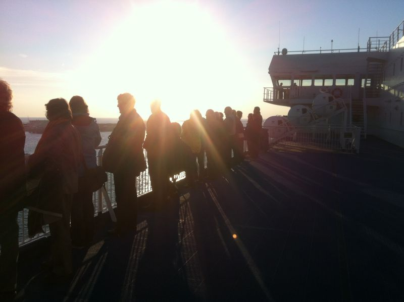 Passagiere an der Deck der Princess Seaways DFDS