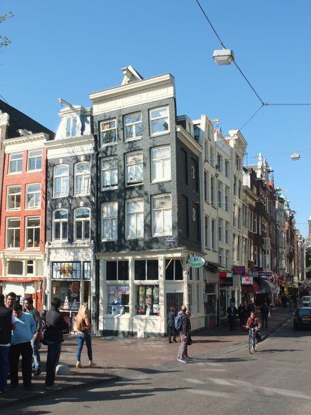 Das schiefe Haus von Amsterdam