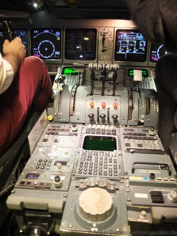 Flugsimulator MD-11 02