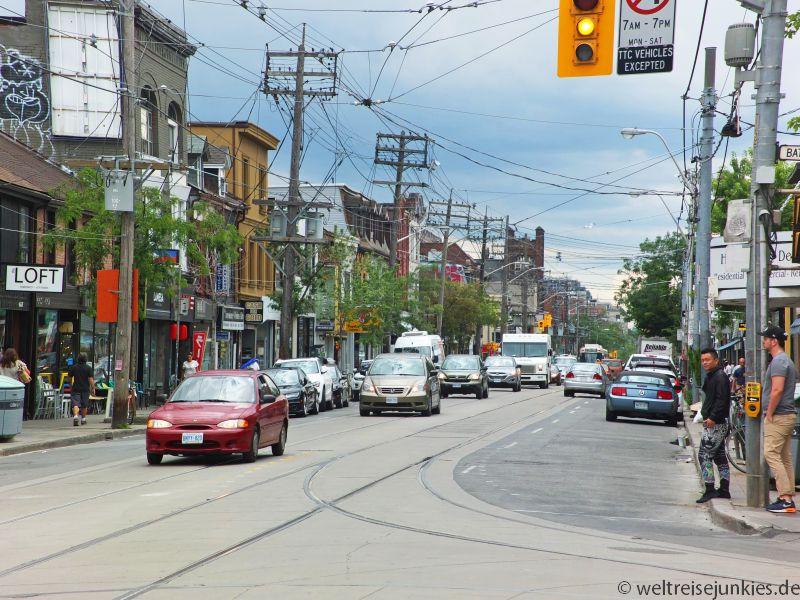 Eine typische Straßenansicht in Toronto.